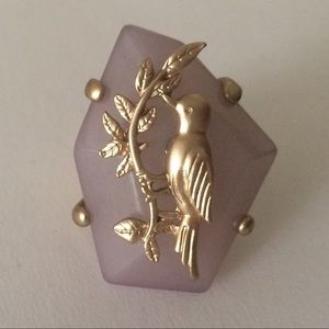 Jewelry - Pink stone with gold bird stretch statement ring